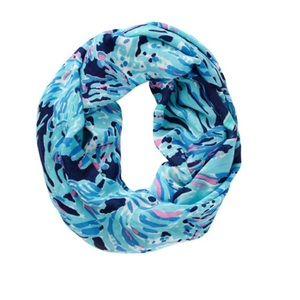 Riley infinity loop scarf shrimply chic